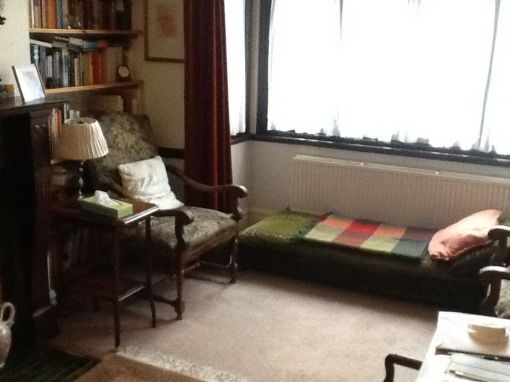 Consulting Room of Kingston Upon Thames Registered Psychotherapist Korinna Hedinger-Farrell