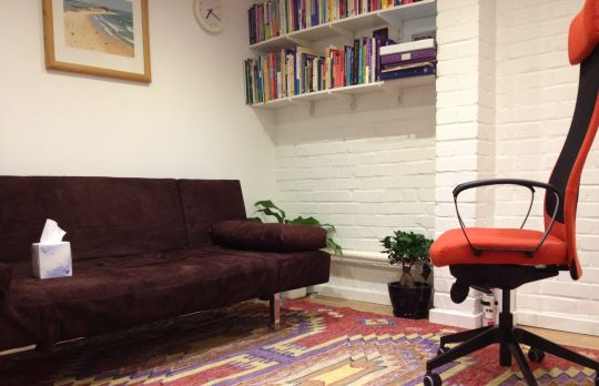 Consulting Room of London Accredited and Registered Counsellor and Psychotherapist Doug Foot