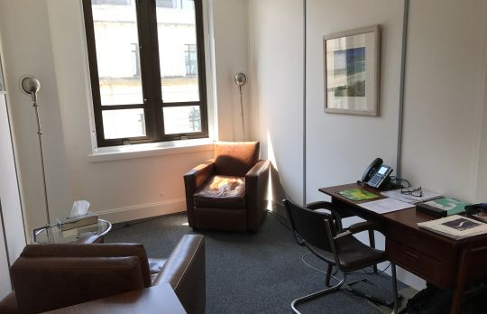 Consulting Room of London Accredited  Counsellor Doug Foot
