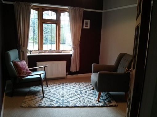 Consulting Room of Woking Registered Counsellor Laura Prins