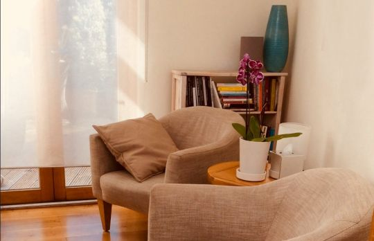 Consulting Room of London Registered Psychotherapist Suzanne Gray