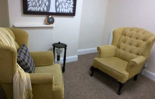 Consulting Room of Birmingham Registered Counsellor Bronwyn Daffern