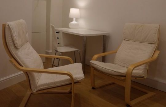 Consulting Room of Oxford Registered Psychotherapist Anneli Nilsson