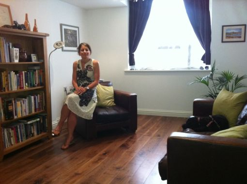 Consulting Room of London Chartered Psychologist Nadia Al-Khudhairy